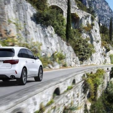 Acura-MDX-2019-SHAWD-advance-white-diamond-pearl-country-road