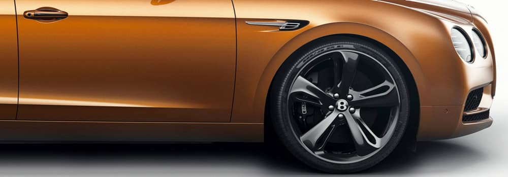 Flying_Spur_Side_front-wheel-close-up