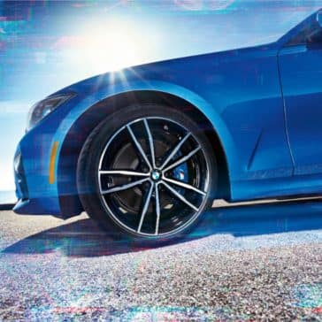 An up close view of the 2019 BMW 3 Series rims and wheel