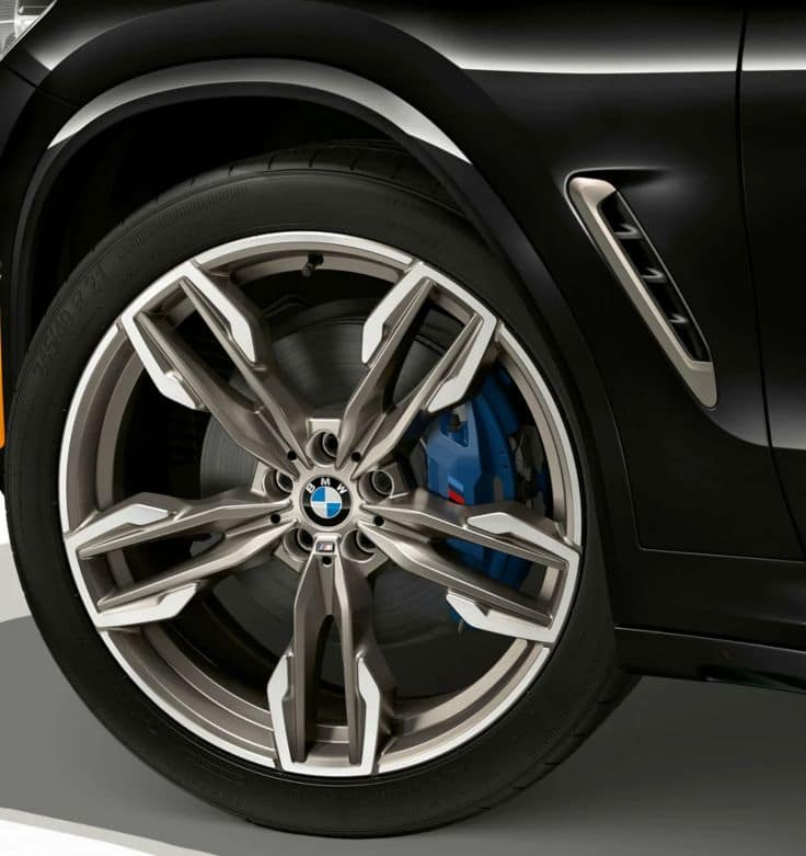 Close-up of the 2019 BMW X4 wheel.