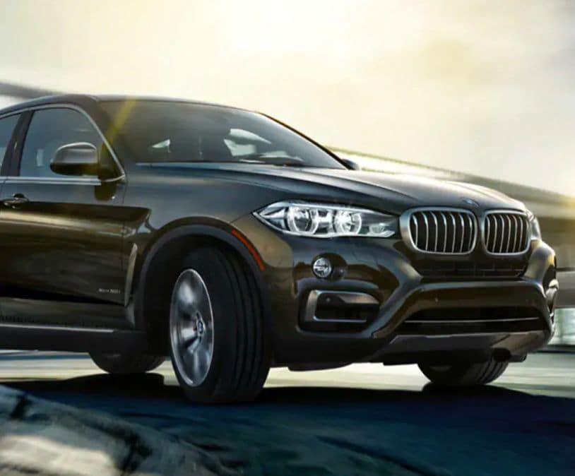 A frontal shot of the 2019 BMW X6.
