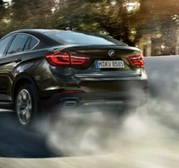 A rear view of the 2019 BMW X6.