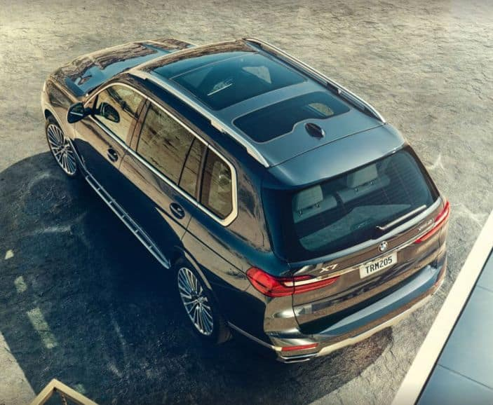 Aerial view of the BMW X7.