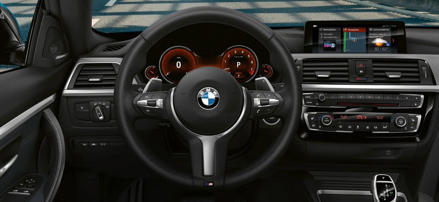 An interior picture of the 2019 BMW 4 Series dashboard.