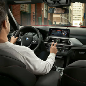 An interior picture of the 2019 BMW X4 showing the cockpit.