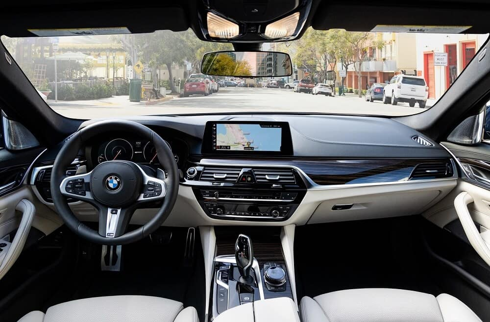 2020 BMW 5 Series Interior Technology Manhattan NY