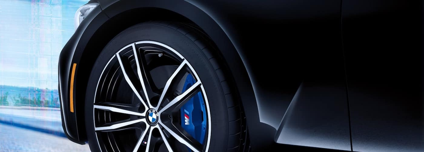 2019 bmw 3 series wheel close up