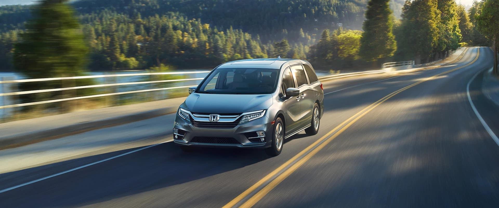 Honda_Odyssey_Driving_Next_To_Lake