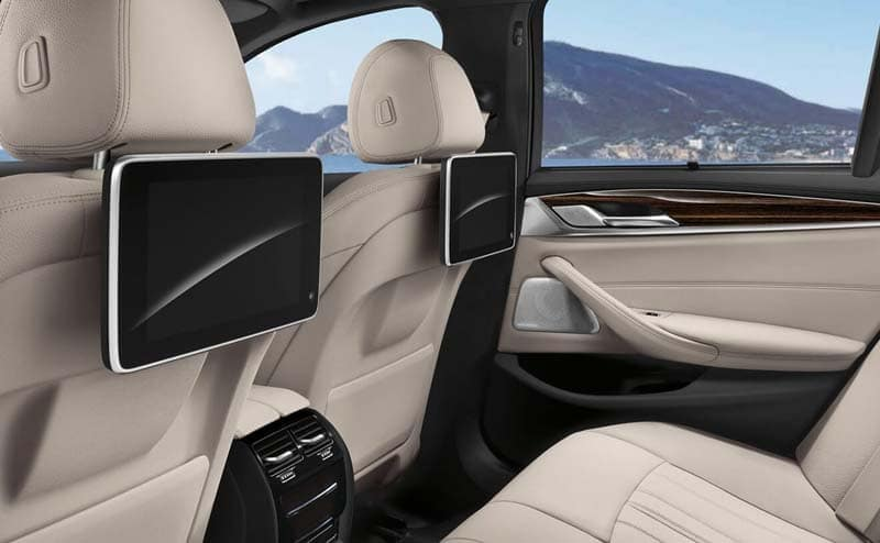 2019 BMW 5 Series Entertainment
