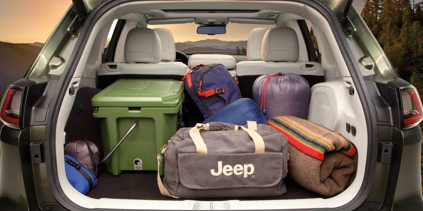 2019 Jeep Cherokee trunk cargo space