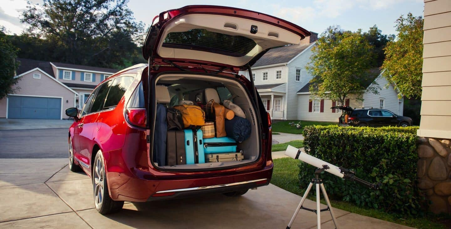 2019 Chrysler Pacifica liftgate open and packed