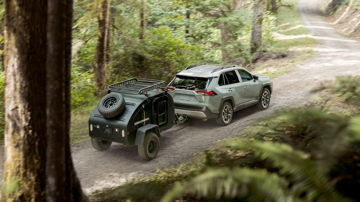 2019 Toyota RAV4 towing a trailer