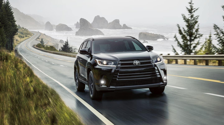 2019 Toyota Highlander driving