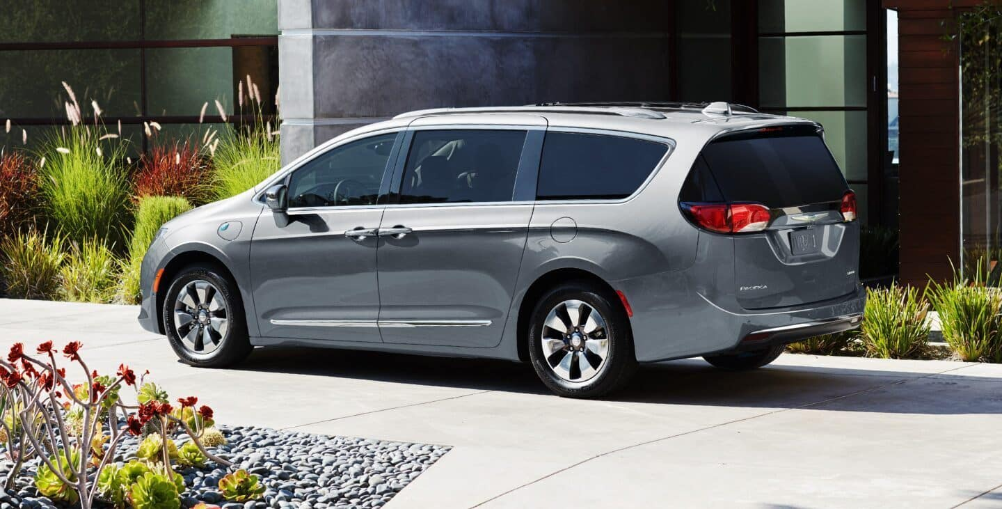 chrysler pacifica finance or lease near bradenton