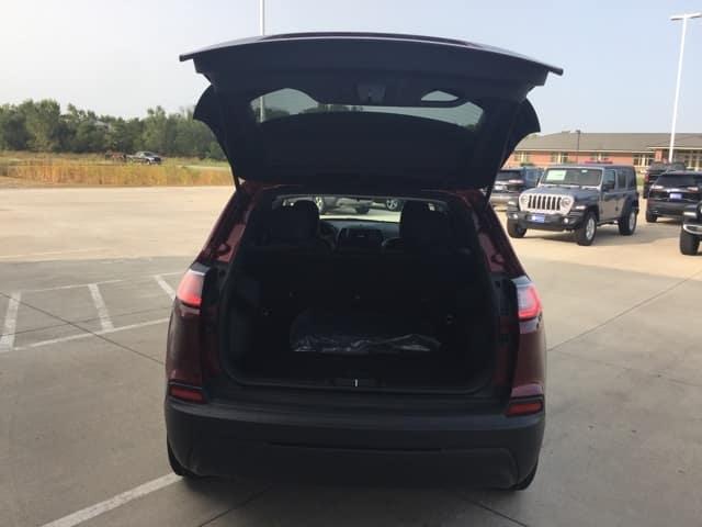 2020 Jeep Cherokee cargo capacity