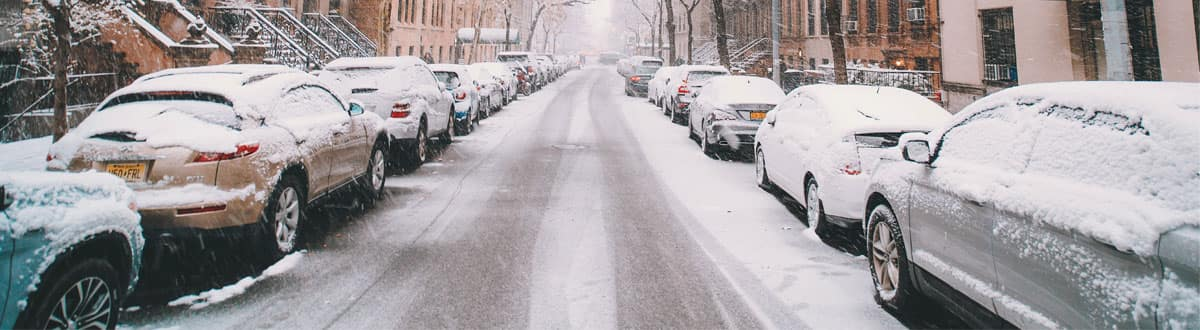 Quick Tips for De-Icing Your Windshield During Winter