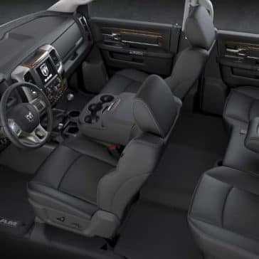 2018-Ram-Chassis-Cab-Interior-Cabin