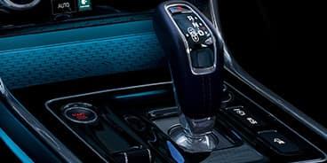 Jaguar-XE-Gear-lever