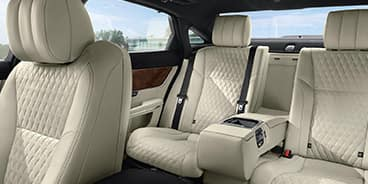 Jaguar-XJ-interiors