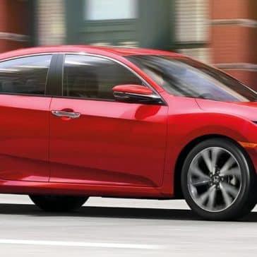 Honda_Civic_Driving_In_City