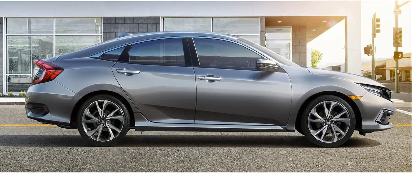 Honda_Civic_Parked_Profile