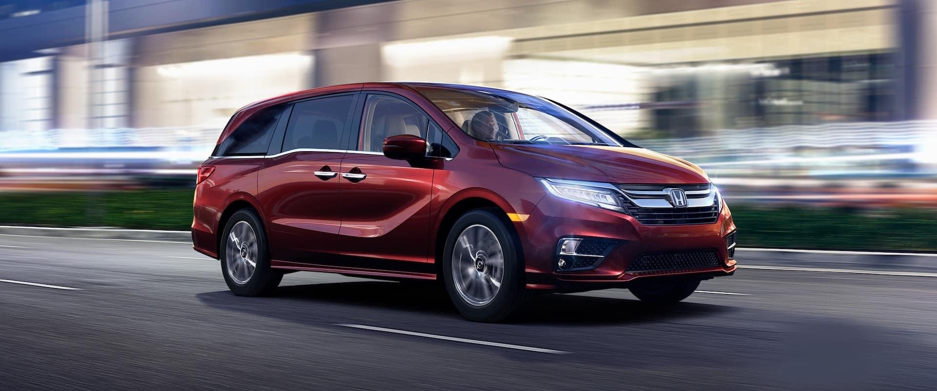 Honda_Odyssey_Driving_City