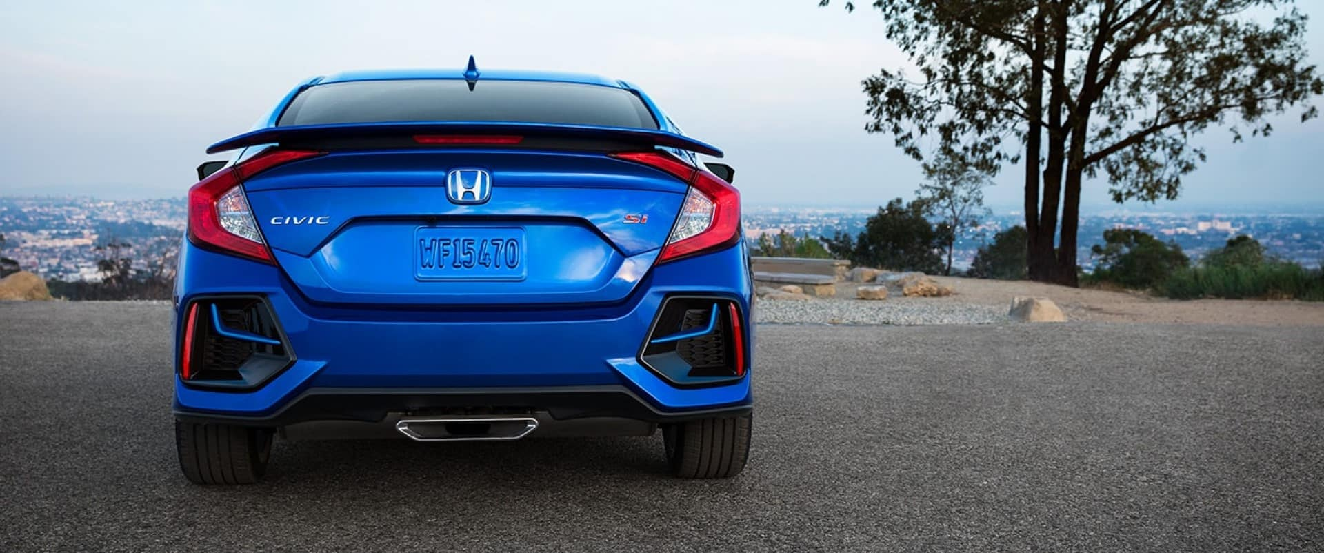 Honda_Civic_Si_Sedan_Rear_View