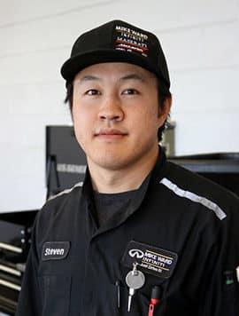 Steven Le