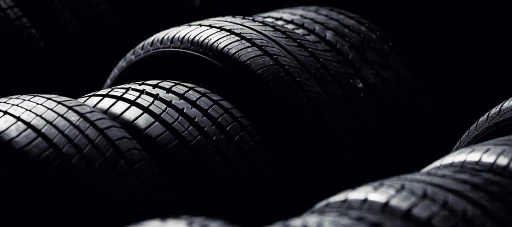1800x800__0002_Row-of-tires