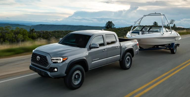 Toyota_Tacoma_Towing_Boat