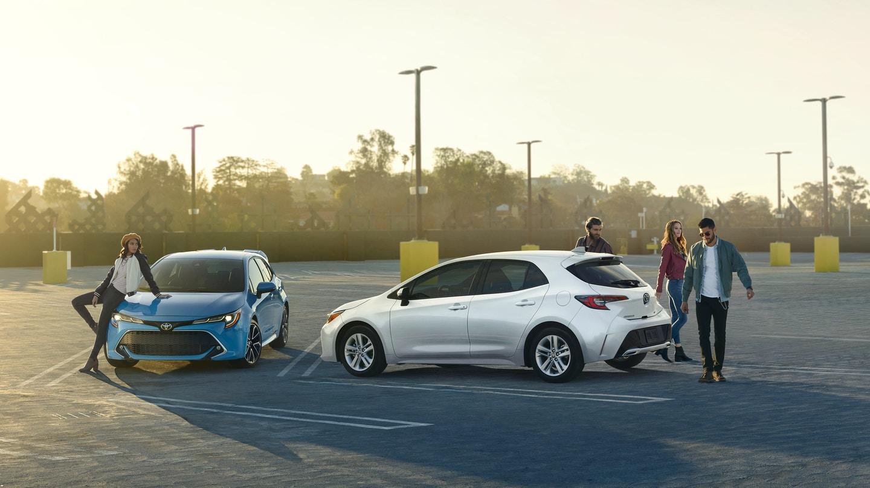 Toyota_Corolla_Hatchback_Parking_Lot