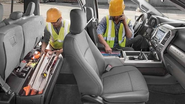 Enjoy your commute in Frankfort, IL when driving the 2019 Ford F-250