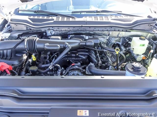 6.8L 3-valve SOHC EFI V10 engine