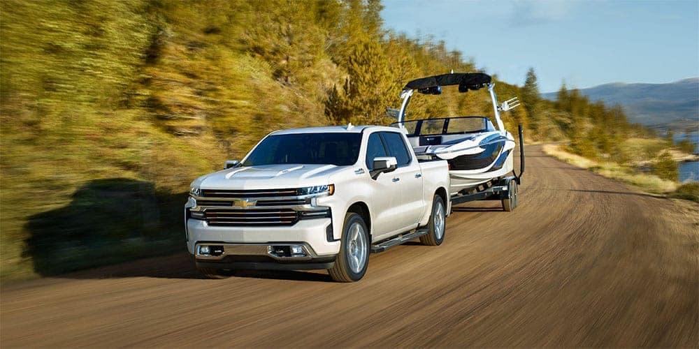 2019-Chevrolet-Silverado-with-Trailer
