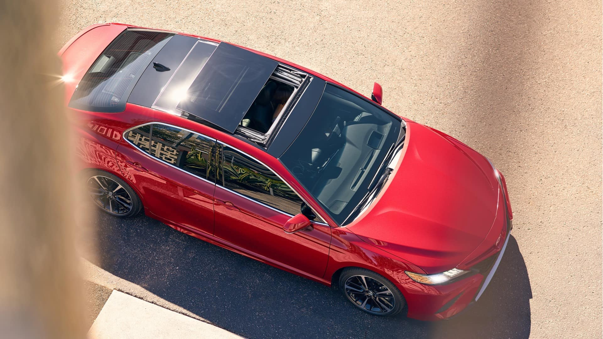 Toyota_Camry_Top-View-Open-Sunroof