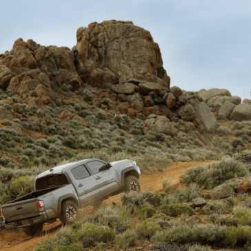 Toyota_Tacoma_Driving_Off-Road