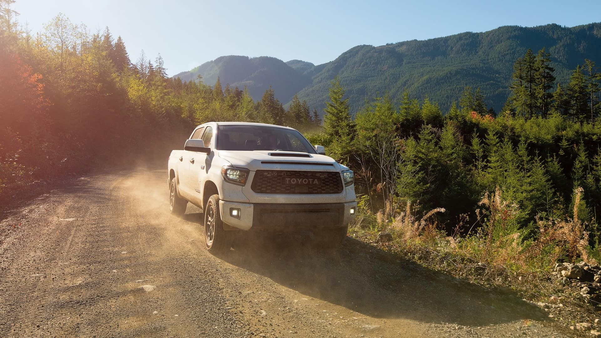 Toyota_Tundra_Driving_On_Dirt_Road