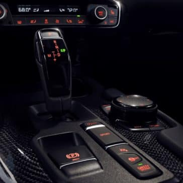 Toyota_Supra_Interior_Gear_Shifter