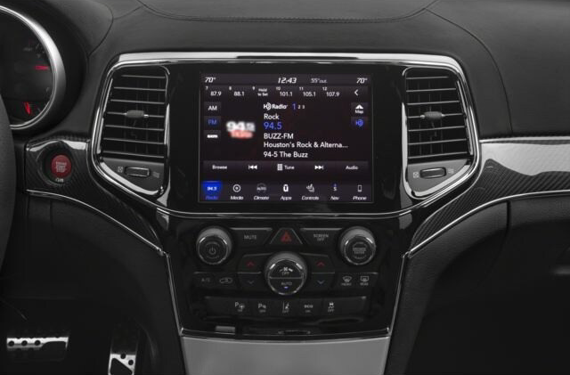 Jeep Grand Cherokee Technology Features