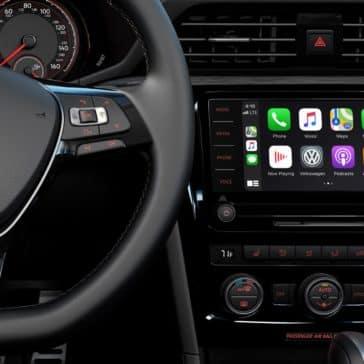 VW_Passat_Interior_Infotainment_Screen