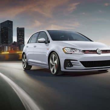 Volkswagen_Golf_GTI_Driving_On_Highway