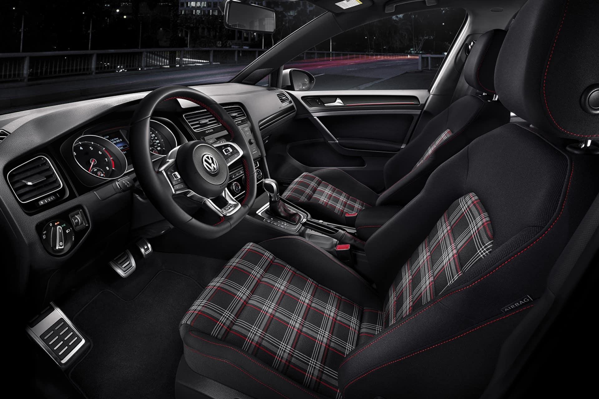 Volkswagen_Golf_GTI_Interior_Front_Seats