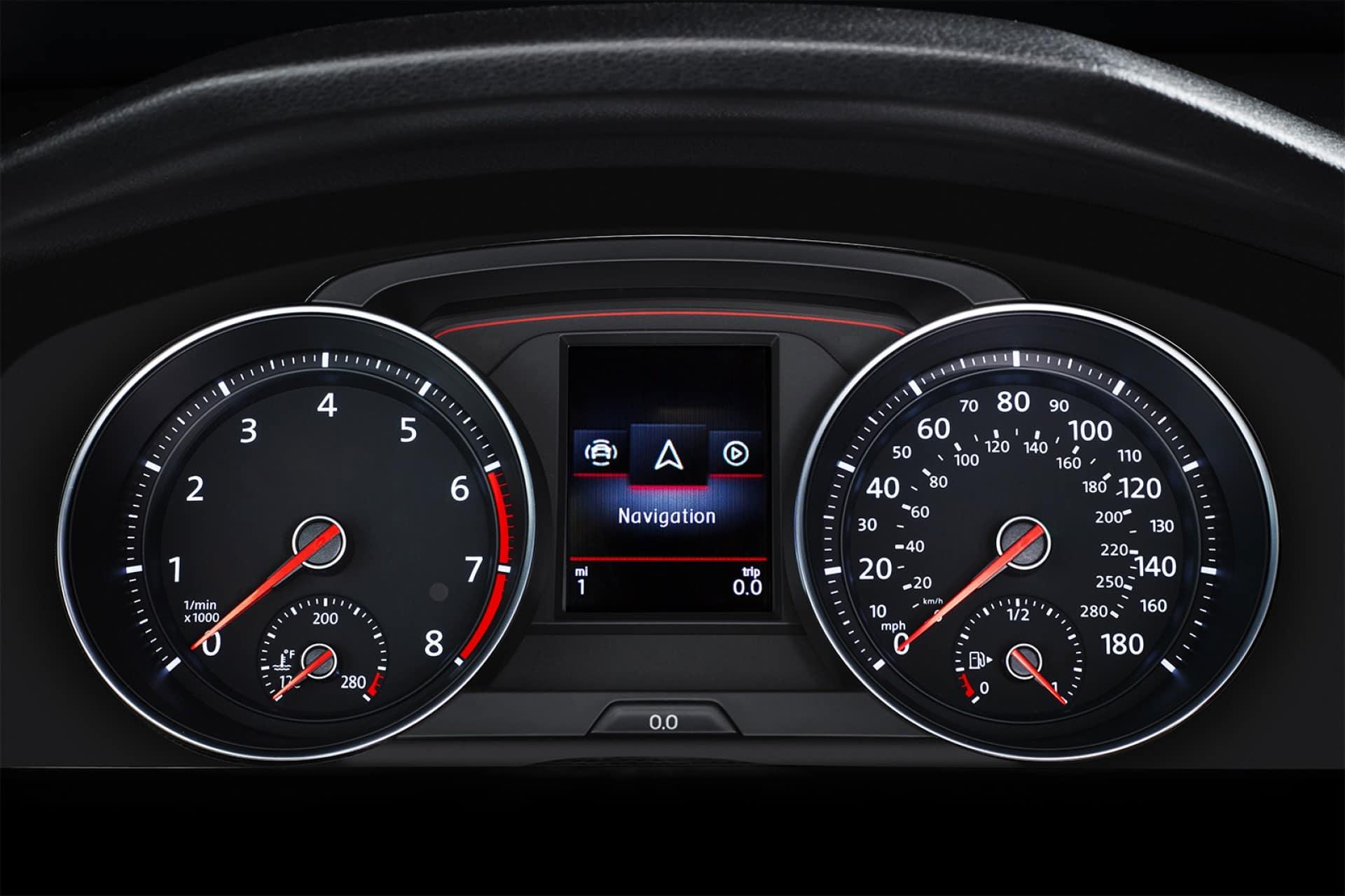 Volkswagen_Golf_GTI_Interior_Instrument_Cluster