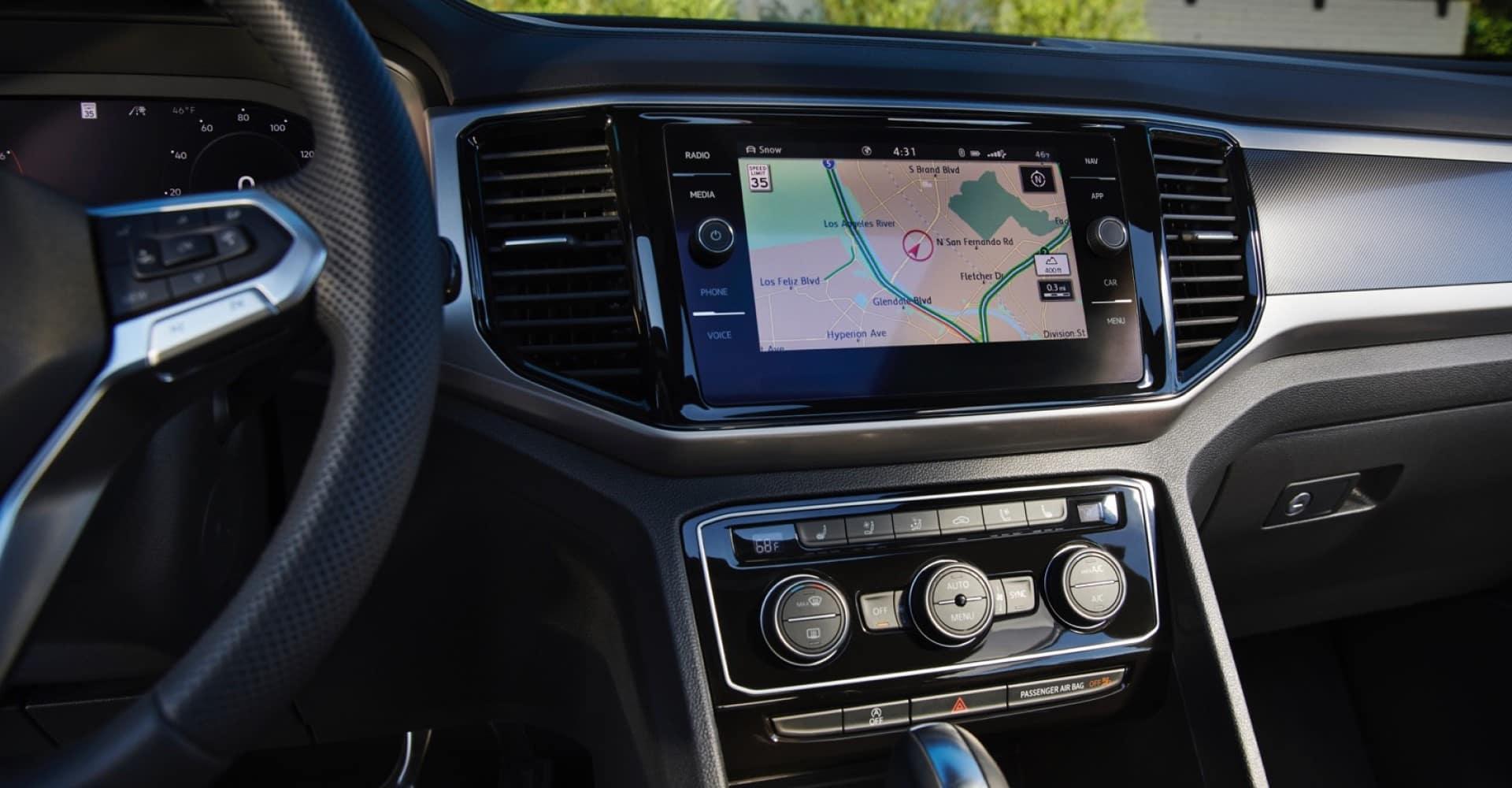 Volkswagen_Atlas_Cross_Sport_Interior_Center_Stack