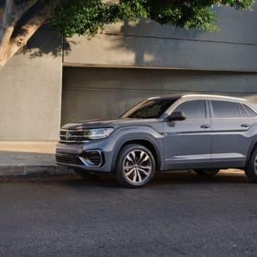Volkswagen_Atlas_Cross_Sport_Parked_In_City