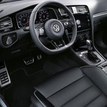 Volkswagen_Golf_R_Interior_Dashboard