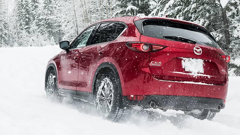 Mazda CX-5 Driving in the Snow