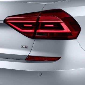2019-Volkswagen-Passat-rear