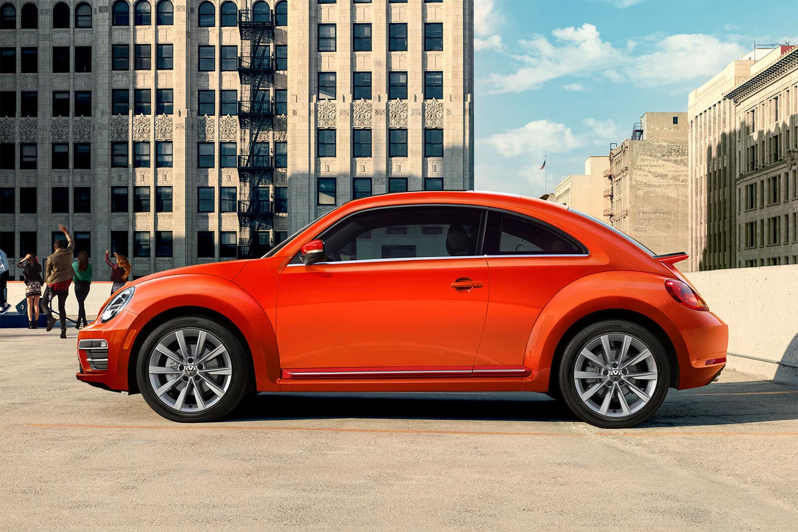 2019 VW Beetle Side View